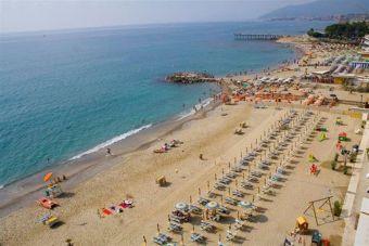 Camping An Der Riviera Italien Ligurien Frankreich